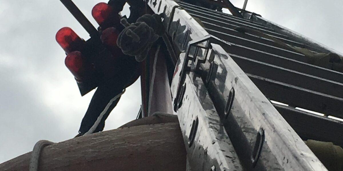 Trabajos verticales con escalera de seguridad