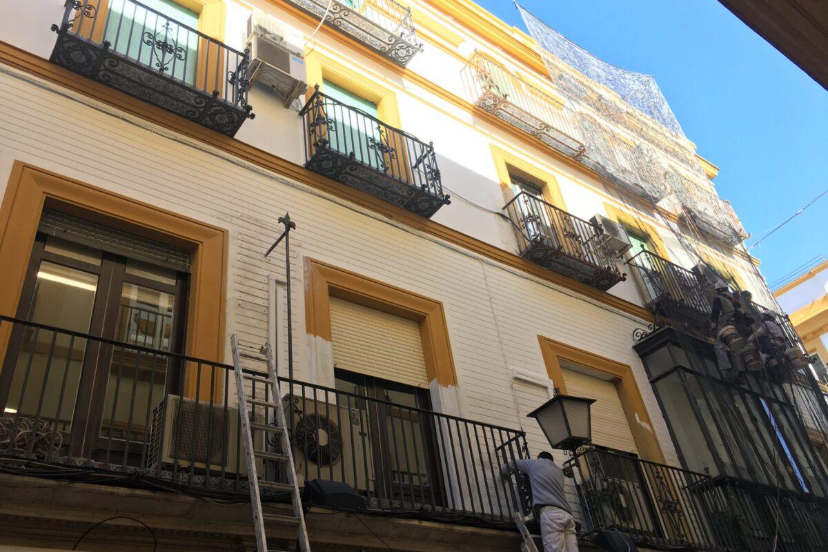 Restauración fachada C/ Albareda. Sevilla