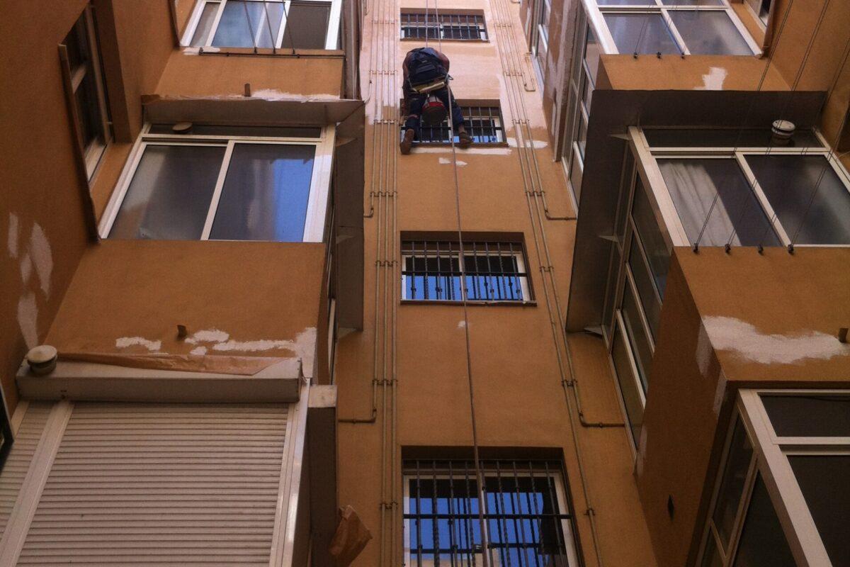 Patios interiores. CCPP. Paseo de Europa nº 2, 4 y 6. Sevilla