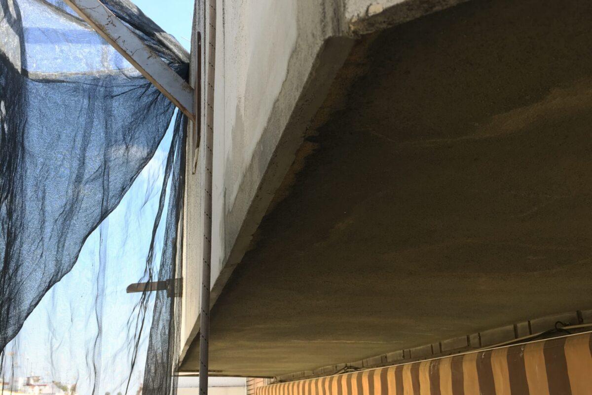 Arreglos y pintado de fachada CCPP Palma del Rio 6. Sevilla