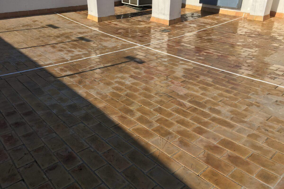Impermeabilización de tejados en Sevilla ,Limpieza e hidrofugado de azotea. Avd. Europa 101, Dos Hermanas- Sevilla