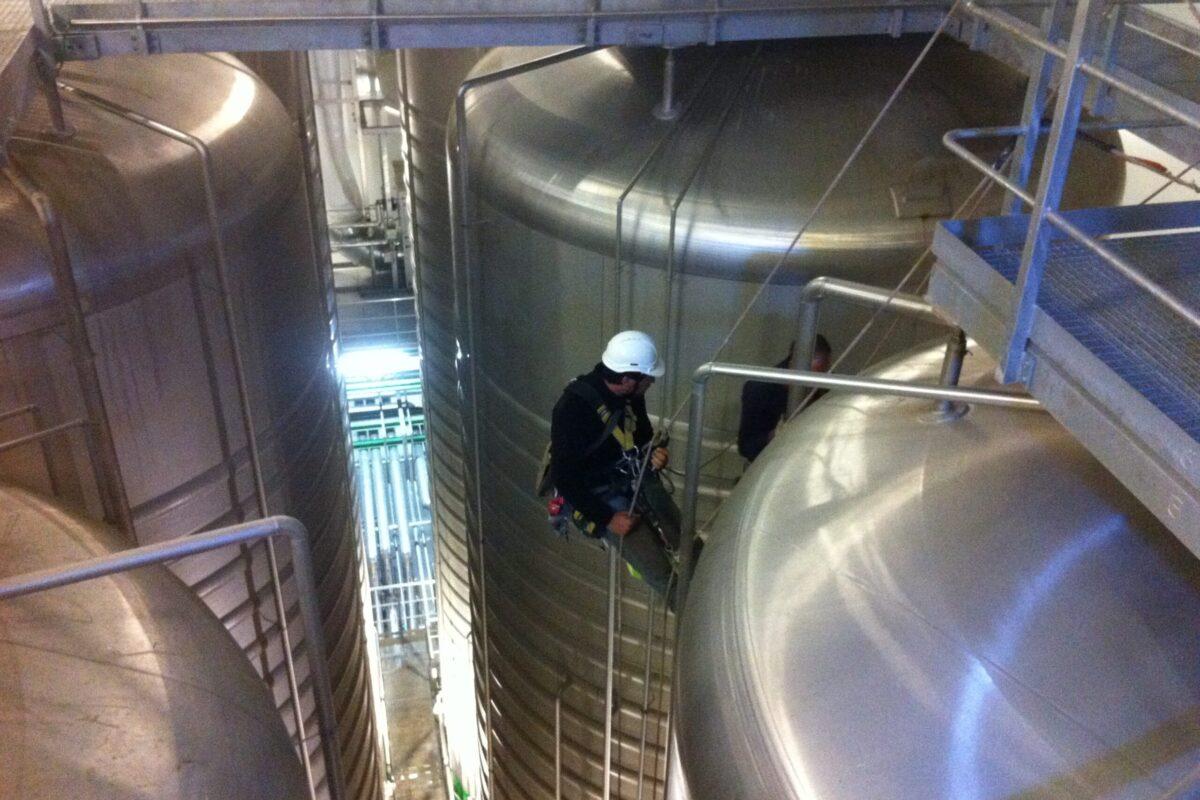Coord. Seguridad y Salud. Trabajos soldadura acero inoxidable. Fabrica Heineken. Sevilla